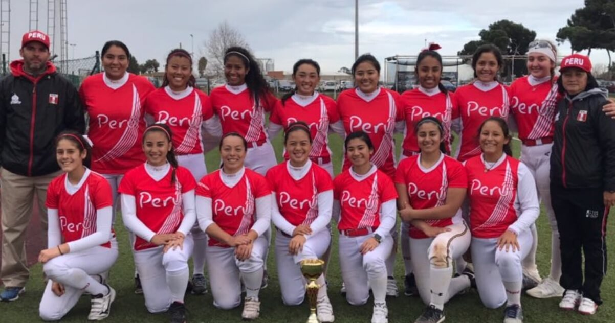 546b70b10 Maddison Pacione with the Peruvian National squad that won the Gava Cup  against teams from Spain and Italy. She's in the backrow, far right, with  the white ...